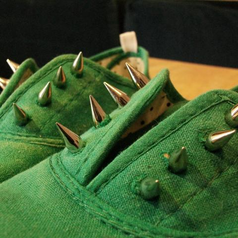 TUTORIAL:A different studded shoe | Queen Lila-royalty crafts